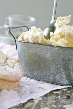 Homemade Clotted Cream+ I ate this on scones at Harrods in London. So delicious. Clotted Cream, Just Desserts, Dessert Recipes, Sandwiches, Homemade Cheese, Homemade Scones, Homemade Ice, English Food, Irish Recipes