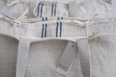 cojín cuadrado en tela de saco (50x50) Ref:CC025