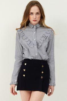 Jay Gold button skirt  >>Discover the latest fashion trends online at storets.com #goldheartbutton #blackskirt #golsbuttonskirt