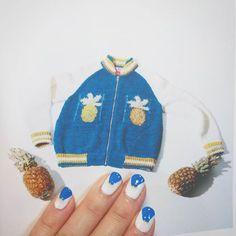 . 一気に夏っぽいネイル💅🌼 . 今日はブルーのTシャツと 白のショートパンツなので まさにネイルのカラー通りのスタイル😁(笑) . バッグの完成はまだもうちょっとかかりそう~ でもかなり可愛くなる予感!! お披露目が楽しみ~ . #ハンドメイド#ジェルネイル#ネイル#セルフネイル#サマー#夏#ホワイトカラー#ブルー#白#夏#コーデ#ファッション#ワンポイント#おしゃれ#オシャレ#nail #white #bule #fashion #cute #kawaii #maomaron #JAPAN