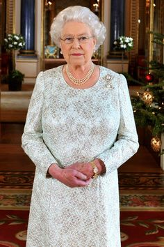 """Queen Elizabeth II Delays Christmas Plans After Coming Down With a """"Heavy Cold"""" Hm The Queen, Royal Queen, Her Majesty The Queen, Queen B, Elizabeth Queen Of England, Elizabeth Philip, Queen Elizabeth Ii, British Royal Families, Prince Philip"""