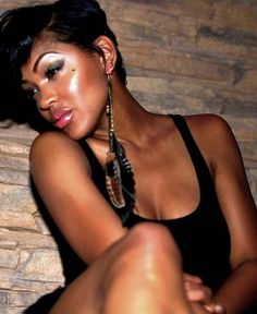 Your skin is your best accessory. And Meagan Good has got the look. Love that glow. Cool Short Hairstyles, Pretty Hairstyles, Hairstyle Ideas, Braided Hairstyles, Cut My Hair, Her Hair, Meagan Good Short Hair, Short Hair Cuts, Short Hair Styles