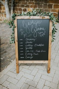 Wedding Order Of The Day - A Guide To What Should Happen And When Wedding Trends, Wedding Blog, Wedding Day, Wedding Styles, Wedding Signage, Wedding Ceremony, Order Of The Day Wedding, Wedding Speech Order, Bouquet Wrap