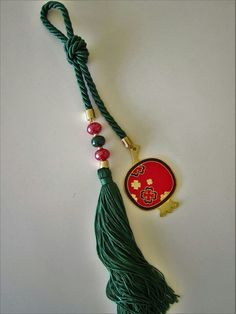 Christmas Crafts, Xmas, Lucky Charm, Paracord, Ribbons, Diy Jewelry, Tassel Necklace, Wedding Gifts, Tassels