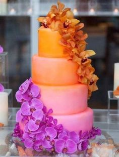 Love This Ombre Wedding Cake #fallrusticweddings #fallweddings #rusticweddings