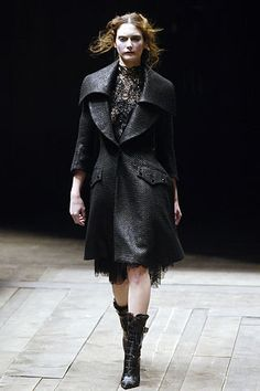 "Alexander McQueen | ""Widows of Culloden"" Fall 2006 Ready-to-Wear Collection 