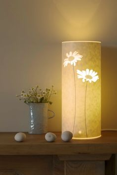 I don't usually pin my own stuff but I I've never managed to get a nice picture of my daisy lamp until now. This one was by Andrew Sanderson