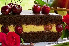 Dulce y Salado: Tarta Sacher Rellena de Crema de Mango y Cerzas