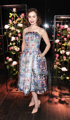 Lily Collins pulls off Mary Katrantzou perfectly!
