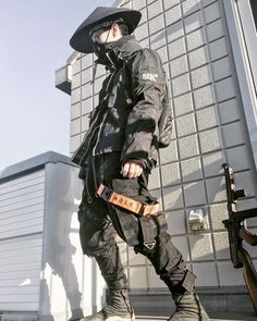 Not sure if cosplay, still it looks neat :) Mode Cyberpunk, Cyberpunk Clothes, Cyberpunk Fashion, Dark Fashion, Urban Fashion, Golf Fashion, Men Looks, Urbane Mode, Ps Wallpaper