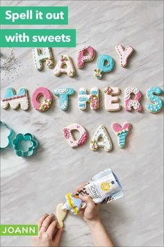 Mother's Day is on its way, and you want to make something special for your favorite gal. Make these easy-as-pie alphabet sugar cookies & let her know how sweet she is. Royal Icing Cookies, Cupcake Cookies, Sugar Cookies, Cupcakes, Frozen Yogurt Maker, Strawberry Frozen Yogurt, Hot Chocolate Gifts, Mother's Day Projects, Cookie Images