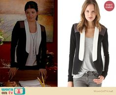 Penny's black, white and brown colorblock blazer on Happy Endings.  Outfit details: http://wornontv.net/14553/