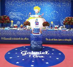 Festa O Pequeno Príncipe: 70 ideias e tutoriais para você se inspirar Prince Birthday Party, Birthday Cake, Little Prince Party, Baby Shark, Best Part Of Me, Baby Shower, Gabriel, Small Birthday Parties, Kid Party Drinks