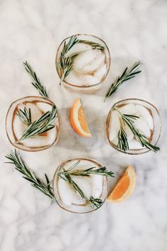 Elsa here. When friends or family come over, I love offering a specialty cocktail! Cocktails are a great and easy way to play into the seasons, giving a nod to Fall spices and themes. Fall Drinks Alcohol, Alcoholic Drinks Vodka, Fall Cocktails, Vodka Cocktails, Fun Drinks, Yummy Drinks, Bourbon Apple Cider, Hard Apple Cider, Gin Recipes