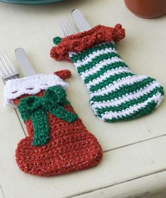Elf Stockings free pattern - so cute for the holiday table!