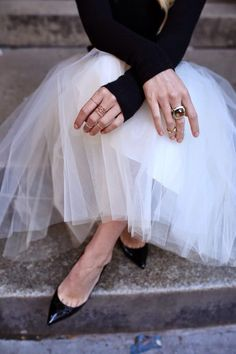 black and tulle and gold rings