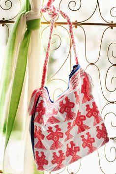 The perfect bag for your island getaway! #calypsostbarth #beach
