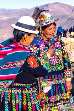 Columbia South America, South America Travel, Central America, Bolivian Women, Bolivian Food, Maya Photo, Uganda, Arte Latina, Peru Ecuador