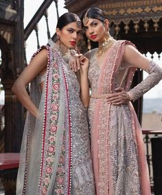 Saira Shakira Bridal Collection 2019 features diverse collection of High Quality Full embroidered Pakistani Bridal Dresses. Pakistani Bridal Dresses Online, Pakistani Bridal Lehenga, Indian Dresses, Bridal Gowns, Indian Clothes, Walima Dress, Anarkali Dress, Bridal Collection, Dress Collection
