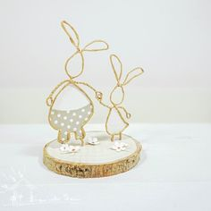 String Crafts, Wire Crafts, Art For Kids, Crafts For Kids, Lighthouse Decor, Wire Art Sculpture, Egg Art, Craft Sale, Easter Wreaths