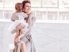 Mklósa Erika ezuttal D'ange ruhában látható a lányával.