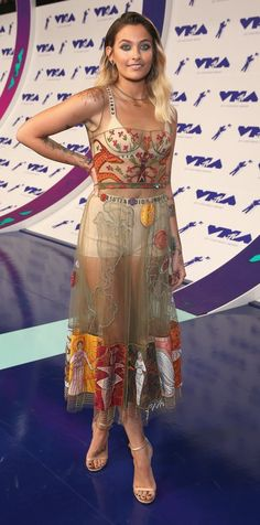 Paris Jackson in Christian Dior attends the 2017 MTV Video Music Awards. #bestdressed