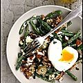 Voici une salade gouteuse, bien aillée, vite prête qu'on a beaucoup aimé. Il suffit de chosir des ingrédients de qualité pour se régaler en...