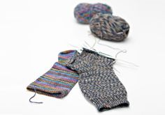 Kuvahaun tulos haulle neule ohjeet 7 v sukkiin Knitting Wool, Knitting Socks, Knitting Projects, Knitting Patterns, Knitting Ideas, Leg Warmers, Mittens, Knit Crochet, Diy And Crafts