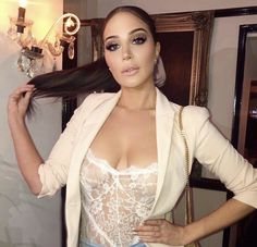 Underrated Artists, Tulisa Contostavlos, Nigella Lawson, Picture Sizes, Nice Tops, Celebs, Singer, Glamour, Bra