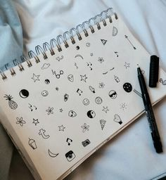 soft grunge doodles - why do little icon doodles like this make me so happy? Tumblr Drawings, Cute Drawings, Vexx Art, Photo Humour, Grunge Tumblr, Grunge Photography, Photography Sketchbook, Tumblr Photography Hipster, Photography Ideas