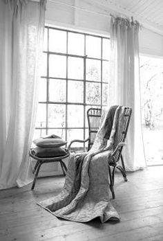 Mit den Wohntextilien kann man innerhalb der Wohnung stilvolle Akzente setzen.