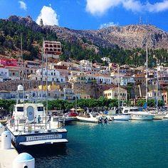 "Kalymnos • Pserimos on Instagram: ""P o t h i a ☀️⚓️⛵️ |  PHOTO BY: @vesnoi17goda"" Places To Travel, Places To Go, Santorini Villas, Myconos, Places In Greece, Chios, Greece Holiday, Greece Islands, Beach Walk"