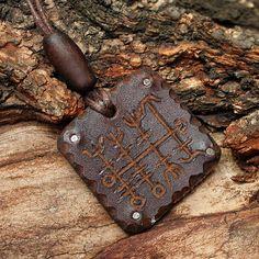 Heilla Hnutur Nordic Runic Viking Good Luck Symbol Leather Pendant Necklace