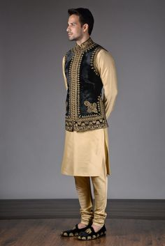 Noida's largest online shopping store for designer Indo westerns menswear. Latest collections of Indo western menswear in Delhi NCR & California. Indian Groom Wear, Indian Attire, Indian Outfits, Cool Outfits For Men, Casual Outfits, Peplum Top Outfits, Gents Kurta Design, Mens Shirts Online, Nehru Jackets
