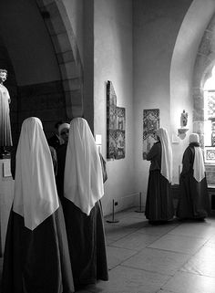 Nuns- adoring, loving God