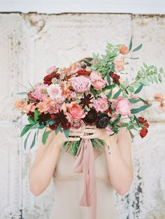 Spring wedding bouquet | Photography: Danielle Coons