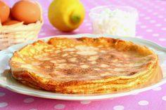 A receptért szeretnék köszönetet mondani Évának, kedves paleos társamnak. Rendkívül laktató, tojásíz mentes ételt sikerült megalkotnia úgy, hogy semmilyen liszt nem kell hozzá. :) A palacsinta tölteléke bármi lehet... Nekem nagyon ízlik úgy is, ha csak pici eritrittel megszórom… Healthy Desserts, Healthy Recipes, Romanian Food, Eat Dessert First, Clean Eating, Muffin, Food And Drink, Gluten Free, Sweets