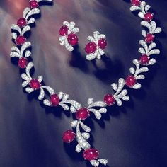 @faideeofficial. Enchanting rubys and diamonds necklace.