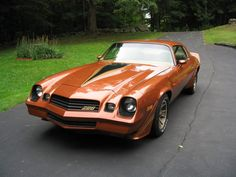 1980 Chevrolet Camaro in a sweet looking orange. The Mustang had already hit fox body in giving the generation Camaro two years to shine brighter than ever. Chevrolet Camaro 1970, Chevy Camaro, Camaro Iroc, Corvette, Toyota Trucks, Chevy Trucks, Chevy Classic, Classic Cars, Yellow Camaro