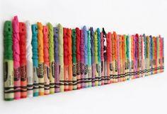 Este artista esculpió el alfabeto entero en un juego de crayolas http://caracteres.mx/este-artista-esculpio-en-alfabeto-entero-en-un-juego-de-crayolas/