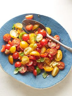 Get Tomato Basil Salad Recipe from Food Network - 4 points per serving if you use 1/8 cup olive oil