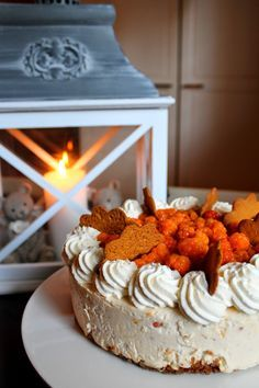 Kakkuviikarin vispailuja!: Lakka-valkosuklaajuustokakku Cheesecakes, Baking, Desserts, Christmas, Recipes, House Cafe, Food, Magic, Tea