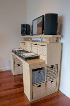 Ikea Desk Did A Version Of This Using Two 45 Desks