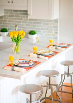 We've partnered with @splendidliving, to create a spring breakfast tablescape as bright and cheerful as the season ahead.