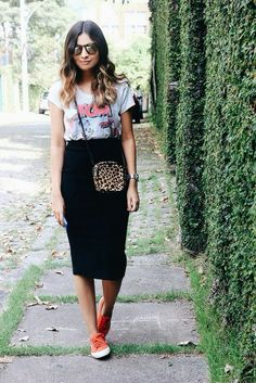 Sneakers Outfit Summer Fashion Looks New Balance Ideas Black Pencil Skirt Outfit, Black Skirt Outfits, Pencil Skirt Casual, Pencil Skirts, Black Midi Skirt, Midi Skirts, Long Skirts, Dress Black, Modest Fashion