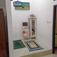 Living Room Design Diy - Home Ideas Diy Living Room Decor, Living Room Designs, Prayer Corner, Islamic Decor, Home Room Design, Prayer Room, Fashion Room, Minimalist Home, Home Interior