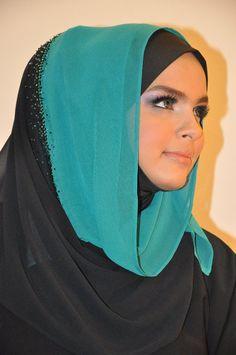 http://abayatrade.com muslim fashion magazine  hooded
