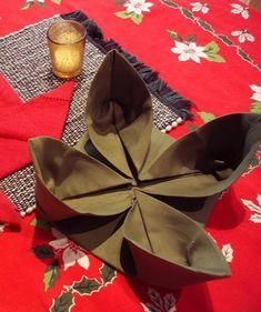 2013 Christmas napkin fold, Christmas flower napkins folding, 2013 Christmas table decor
