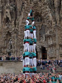 Castellers in front of la Sagrada Família, Barcelona.
