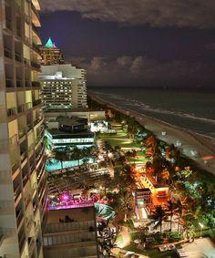 Miami city Photos series 22 – Pictures of Miami city : Miami Florida, Florida Beaches, South Florida, Miami Beach, Miami City, Downtown Miami, City Aesthetic, City Lights, Night Lights